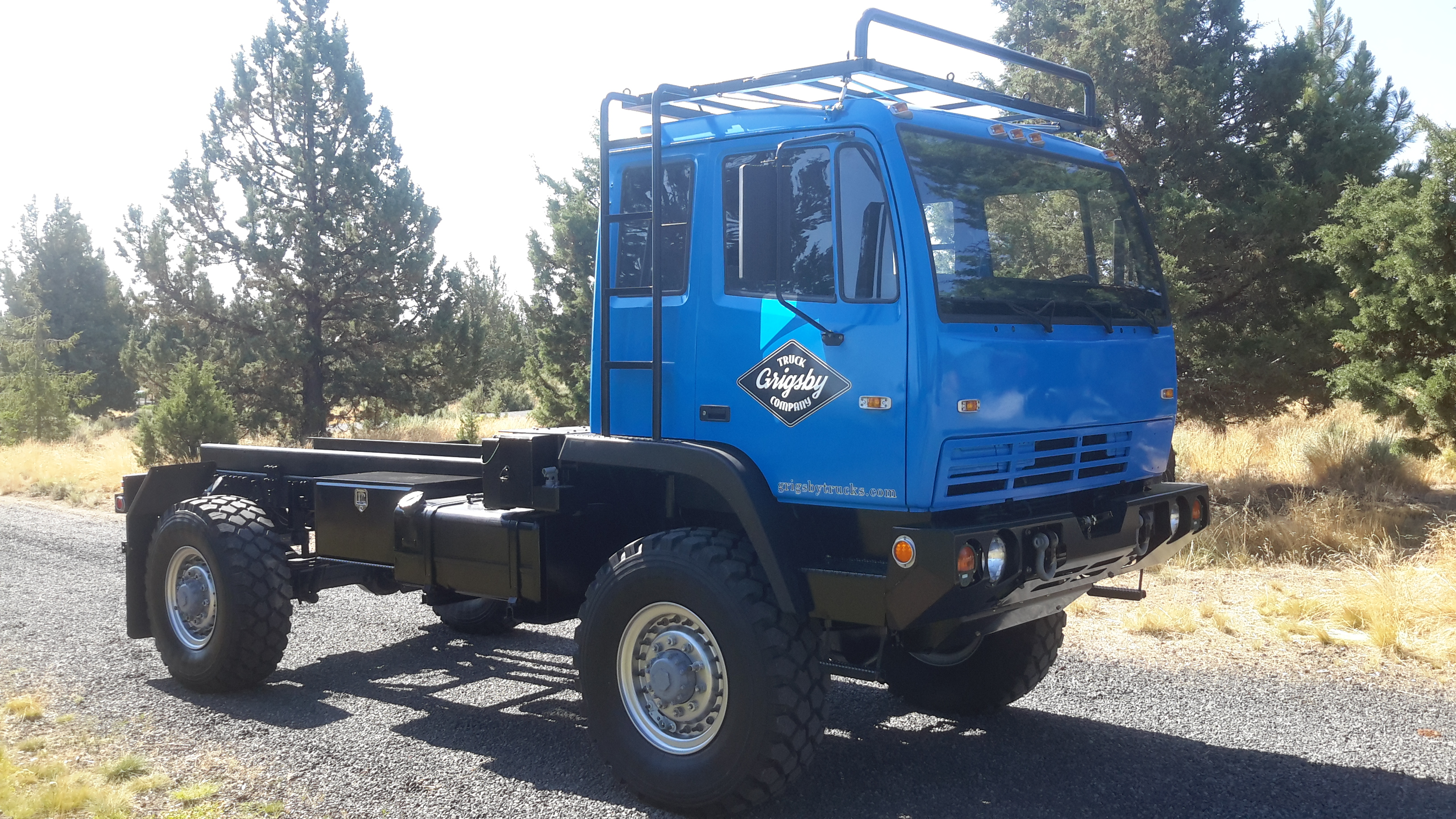 M1078 Lmtv Off Road Capable Heavy Duty Expedition Vehicle