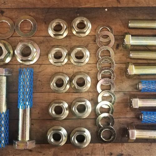 6x6 hardware set